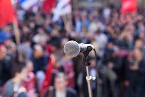 Politische Themen nicht konkret auf Parteien beziehen
