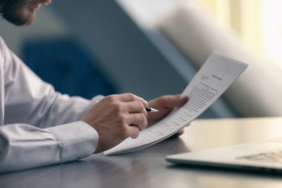 Vereinssatzung: Müssen redaktionelle Satzungsänderungen beschlossen werden?